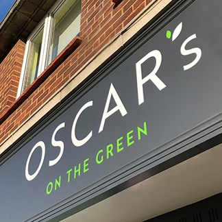 Oscar's On The Green